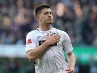 Frankfurts Jovic erzielt als 14. Spieler fünf Treffer - Dieter Müller weiterhin Rekordhalter