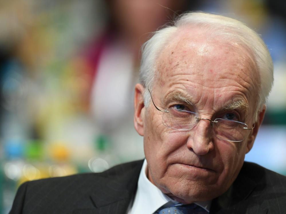 Edmund Stoiber nahm Uli Hoeneß nach der Kritik in Schutz