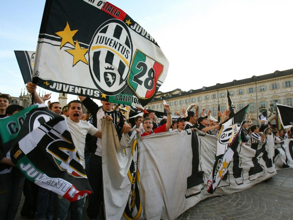 Juventus Fans feiern 2006 den Meistertitel in Turin