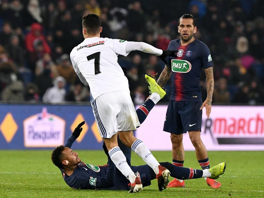 Neymar (l.) droht längerer Ausfall