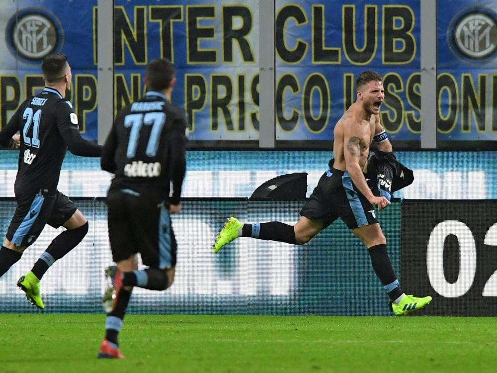 Ciro Immobile (r.) steht mit Lazio im Pokal-Halbfinale