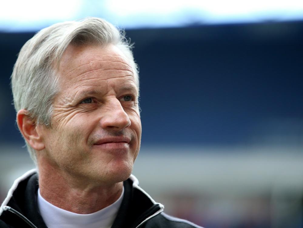 Jens Keller darf sich über ein 3:0 gegen Aue freuen