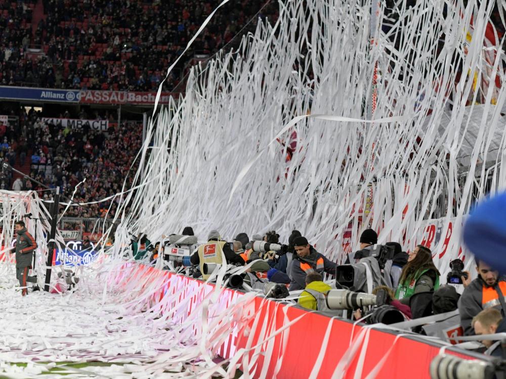 Der FC Bayern muss wegen Papierrollen 15.000 Euro zahlen
