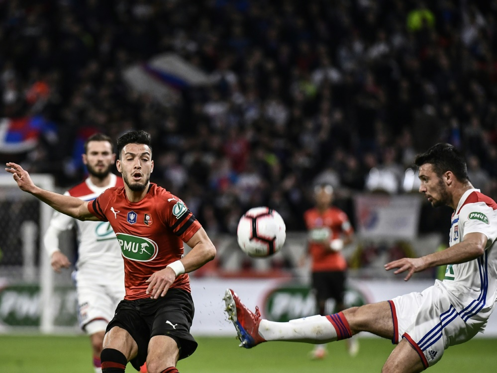 Bensebaini (l.) erzielte den Siegtreffer für Rennes