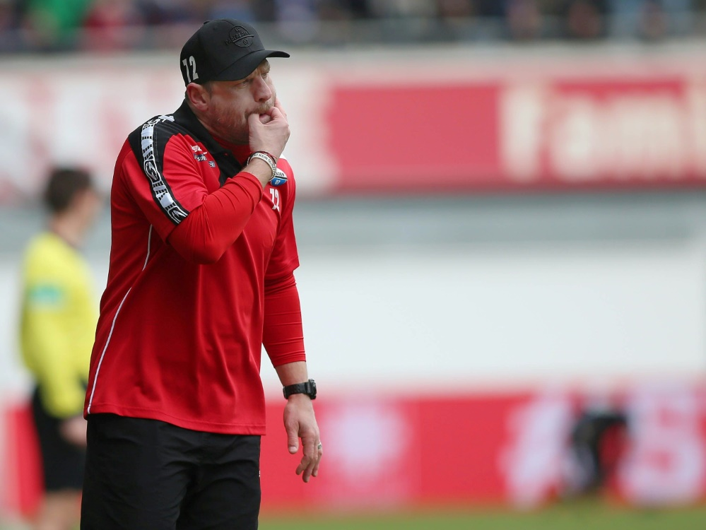 Paderborns Coach Baumgart freut sich über Rang Vier