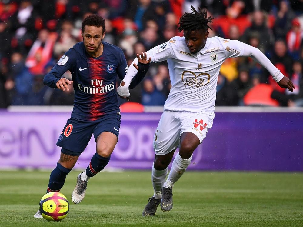 Neymar (links) sicherte PSG per Elfmeter einen Punkt