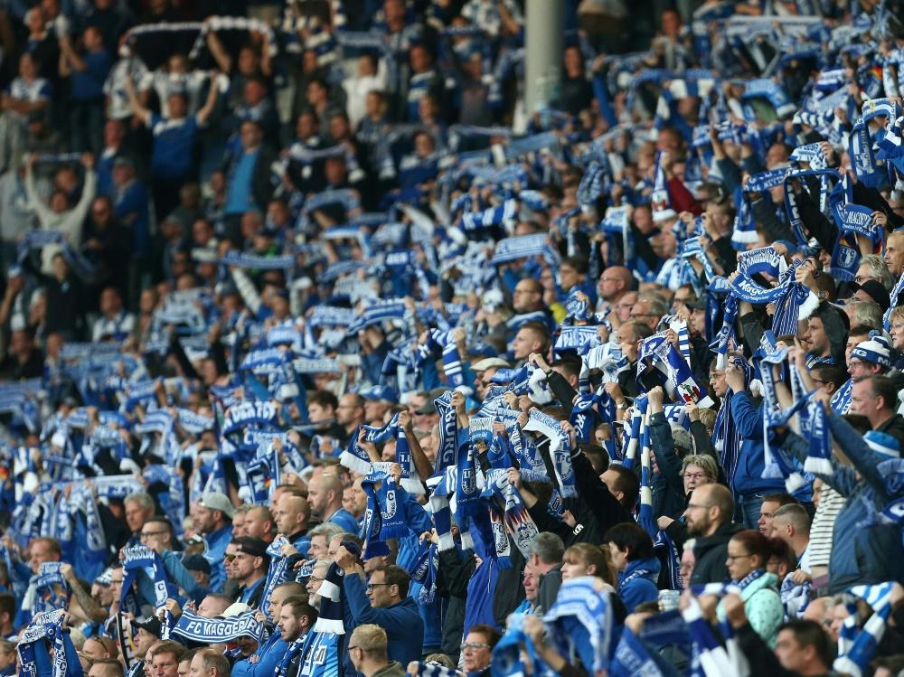Magdeburger Fans sorgen für Spielunterbrechung in Berlin