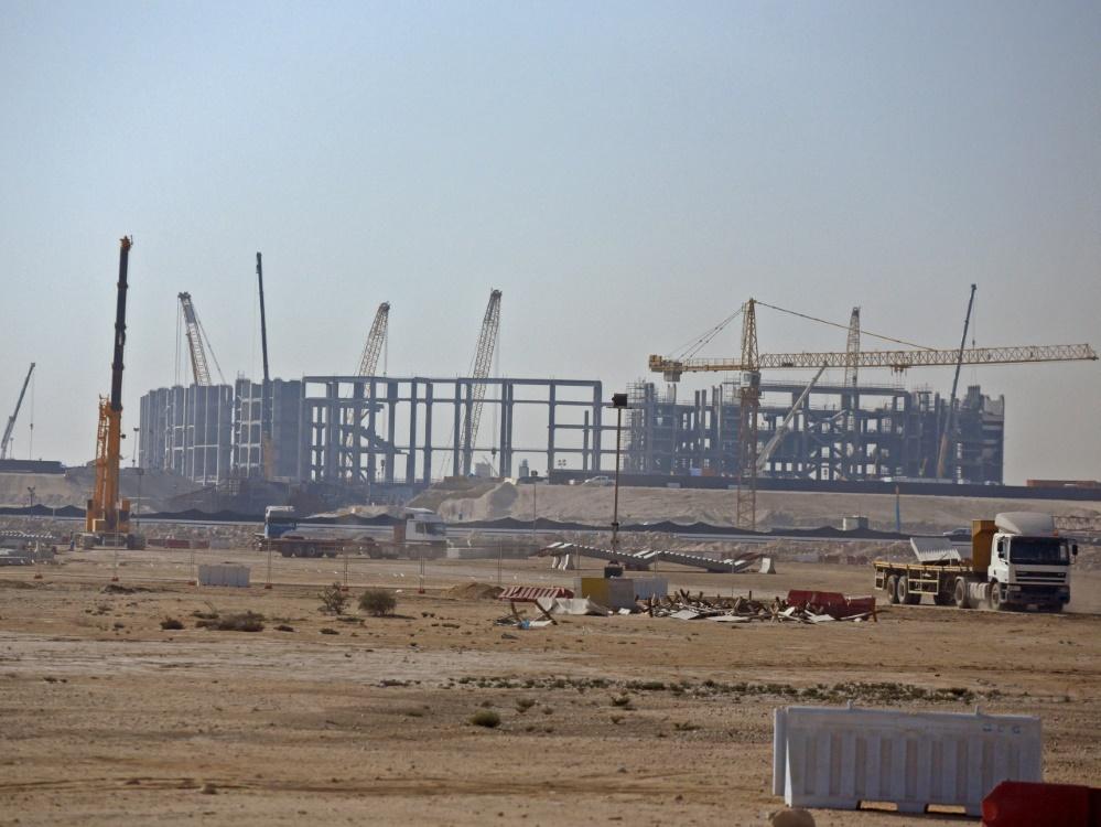 Die FIFA räumt Verstöße beim Bau der WM-Stadien ein