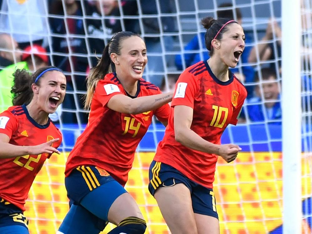 Die Spanierinnen schlugen zum Auftakt Südafrika
