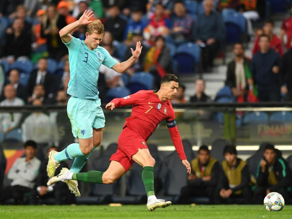 Ronaldo (r) wollte de Ligt (l) nach dem Spiel abwerben