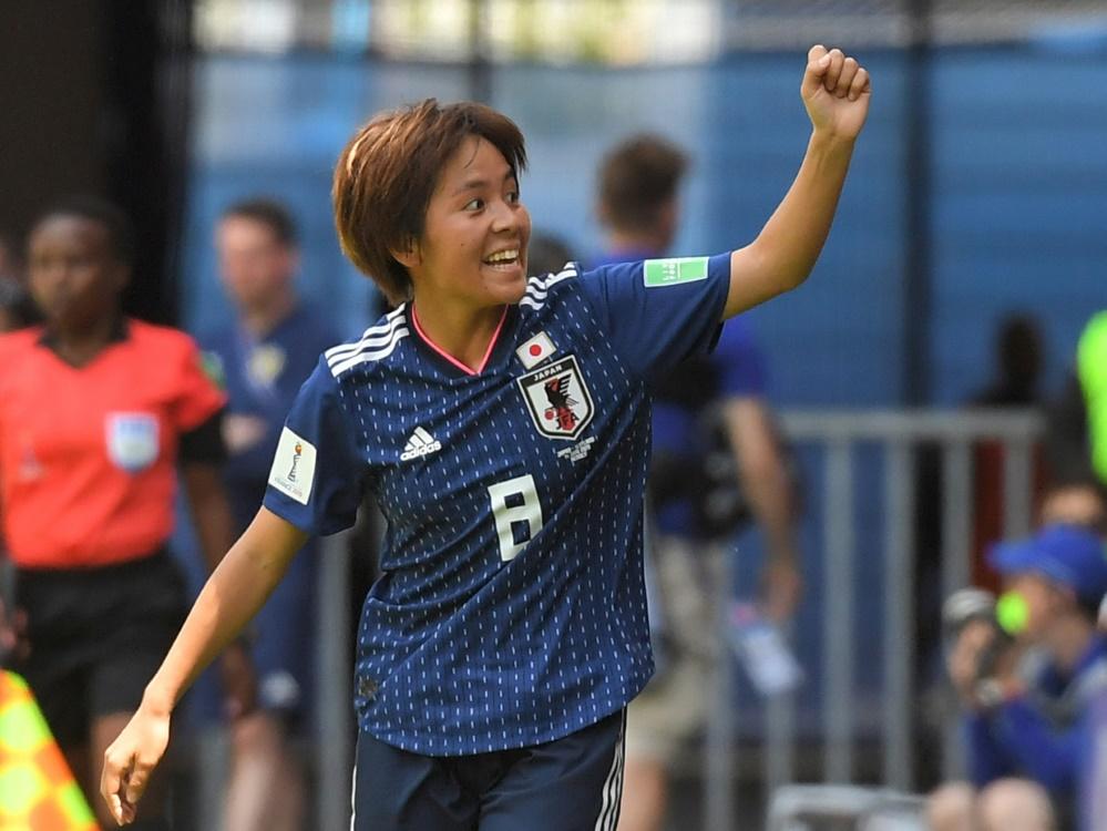 Mana Iwabuchi erzielte die Führung für Japan