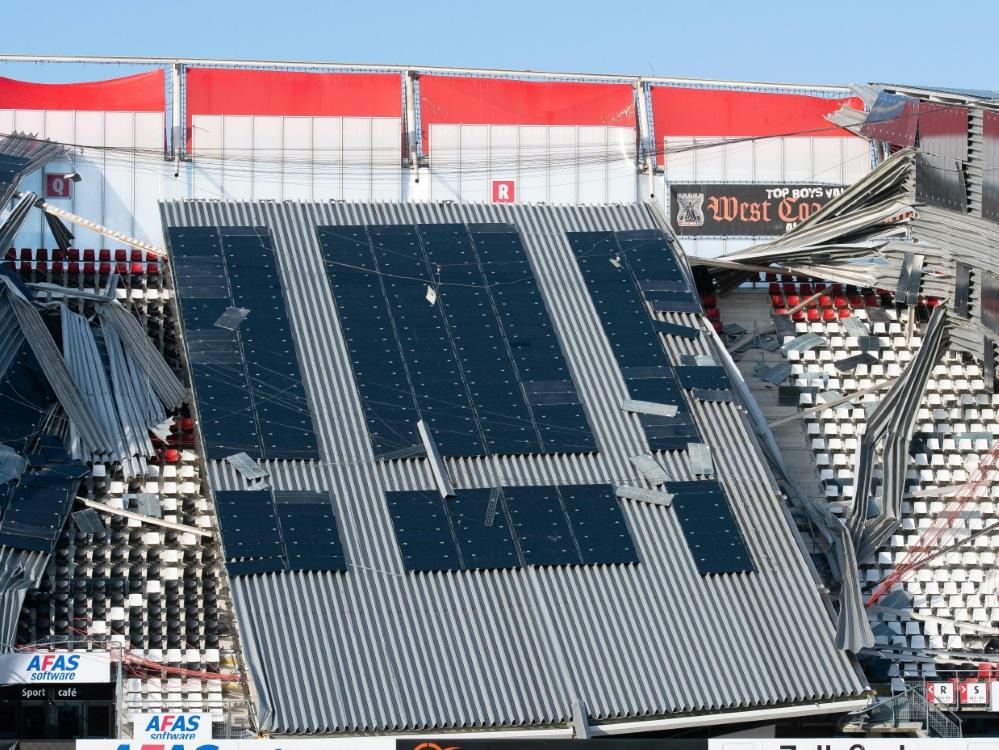Teile des Stadiondaches in Alkmaar waren eingestürzt
