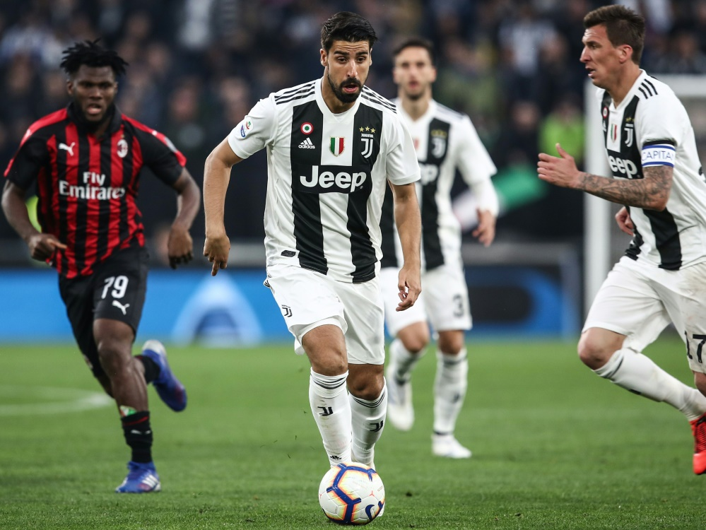 Sami Khedira (m.) soll bei Juventus bleiben