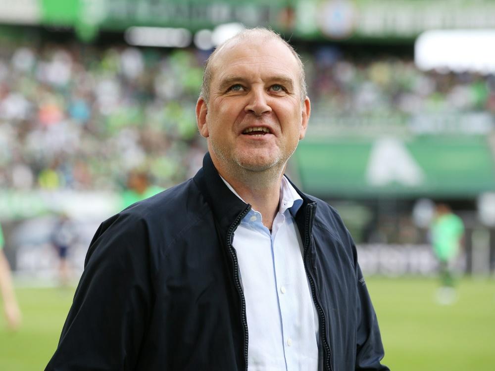 Teile der FC-Fans bedachten Schmadtke mit Schmähgesängen