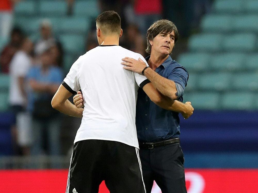 Bundestrainer Löw (r.) und Ex-Nationalspieler Wagner