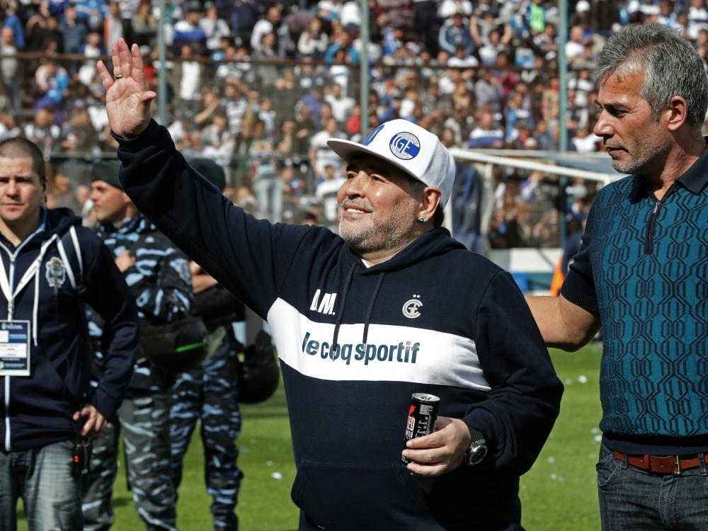 Großer Empfang für Diego Maradona in La Plata