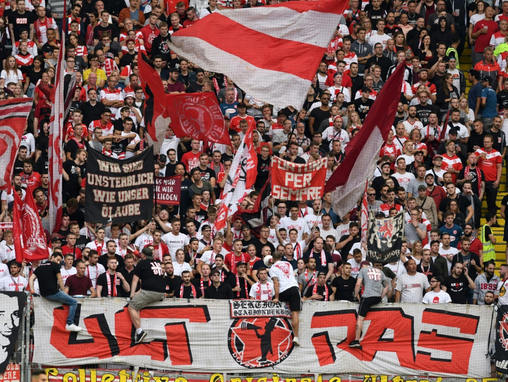 Frankfurter Ultras attackieren UEFA nach Fan-Auschluss