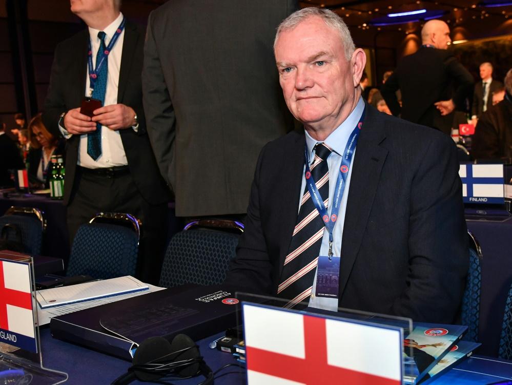 FA-Präsident Greg Clarke schlägt Standby-Wechsel vor