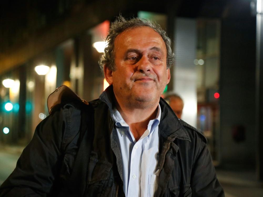 Ermunterung von Präsident Macron: Michel Platini