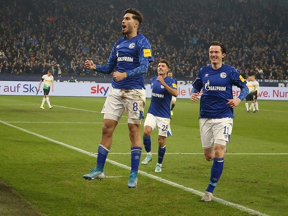 Schalke schlägt Mönchengladbach - Serdar erzielt das 1:0
