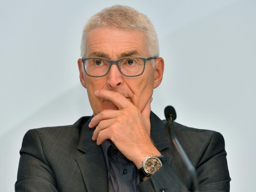 Fröhlich war von 1994 bis 2002 Fifa-Schiedsrichter
