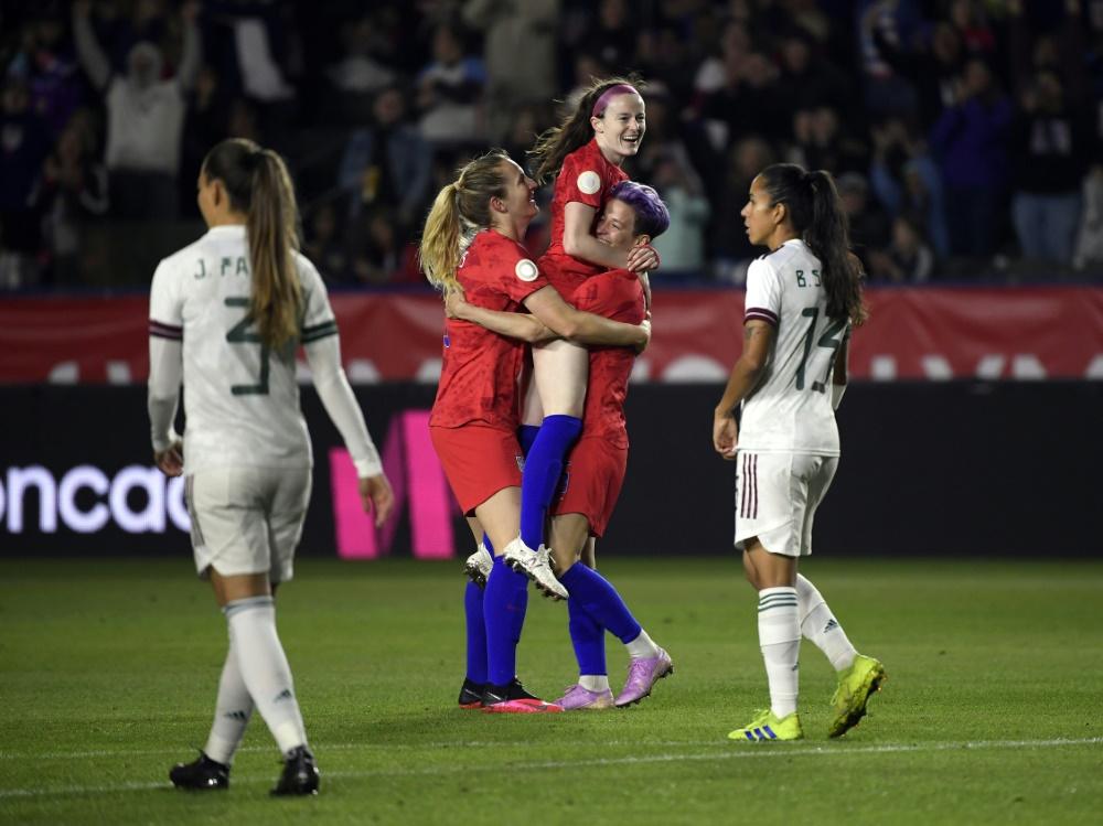 US-Fußballerinnen lösen das Olympia-Ticket