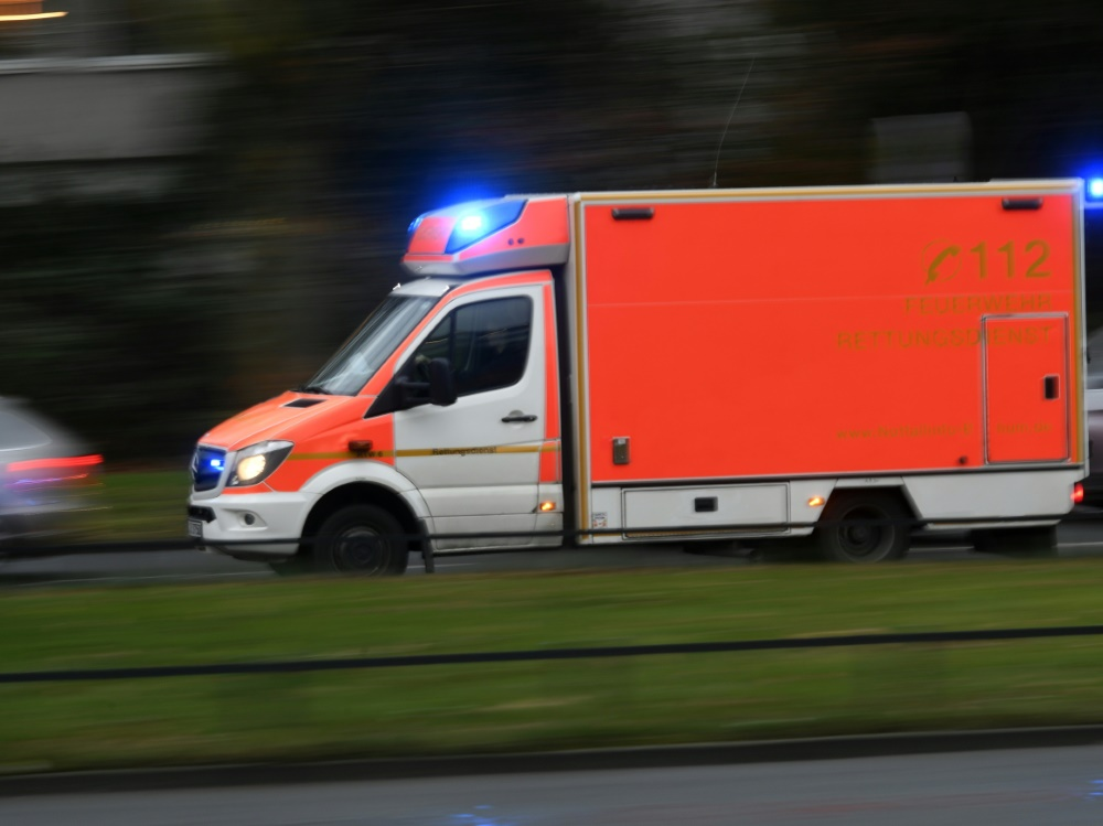 Aue-Mannschaftsbus in heftigen Unfall verwickelt