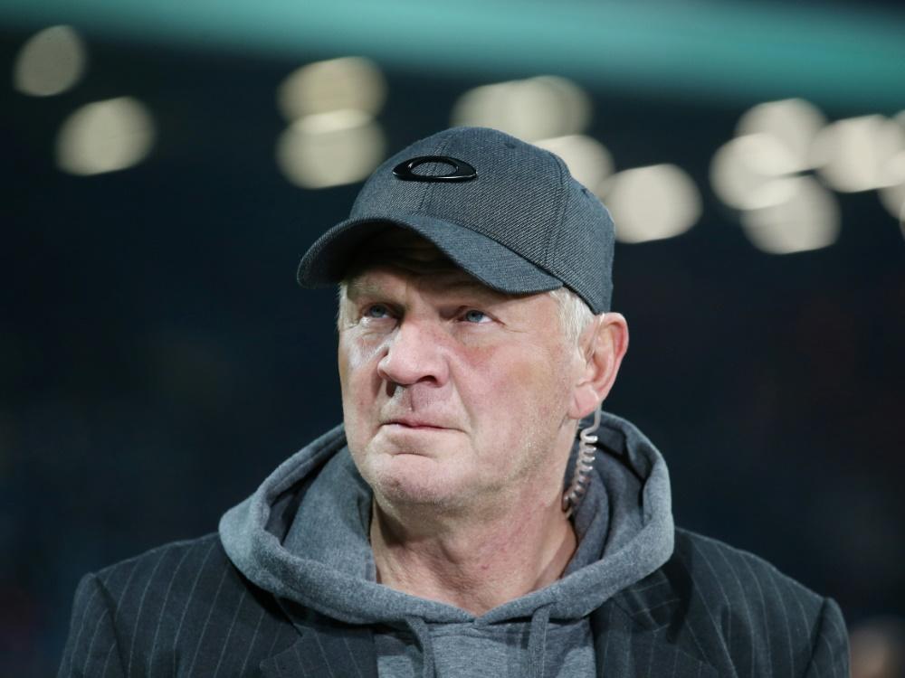 Stefan Effenberg verteidigt BVB-Trainer Favre