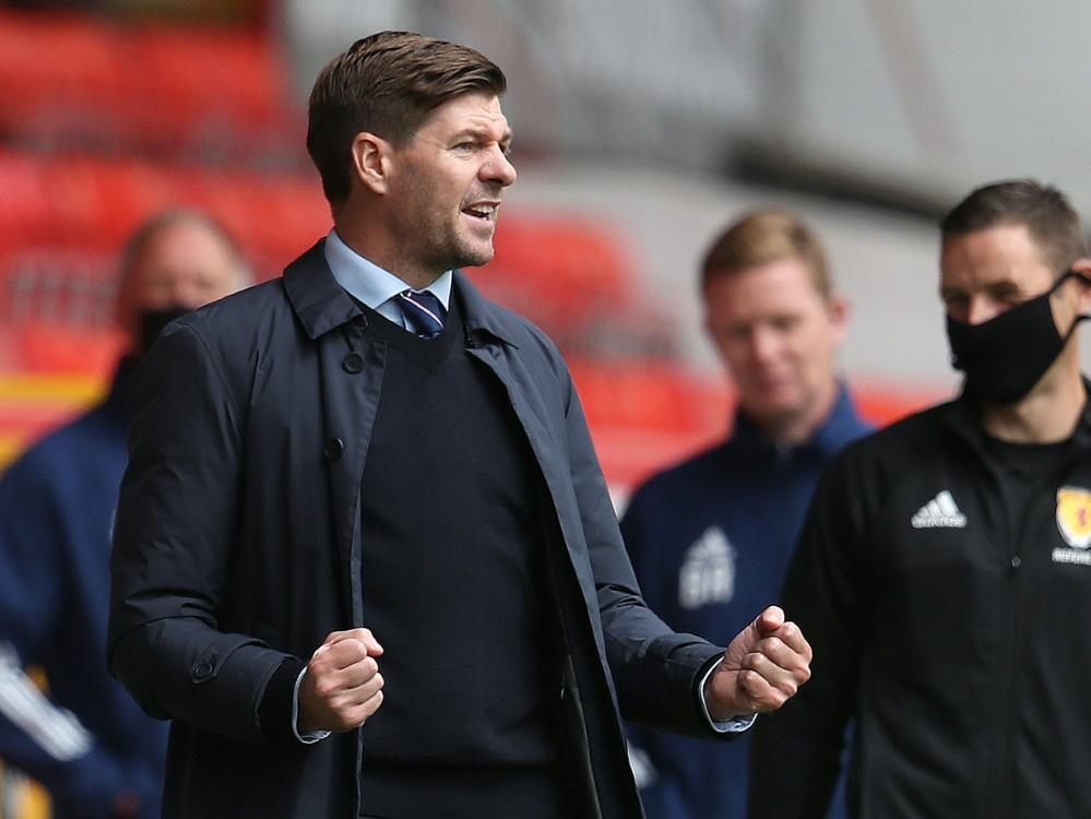 Steven Gerrard und die Rangers gewinnen zum Auftakt