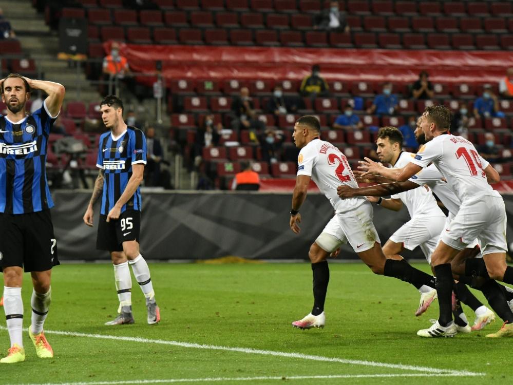 Sevilla feiert seinen 6. Titel während Inter trauert