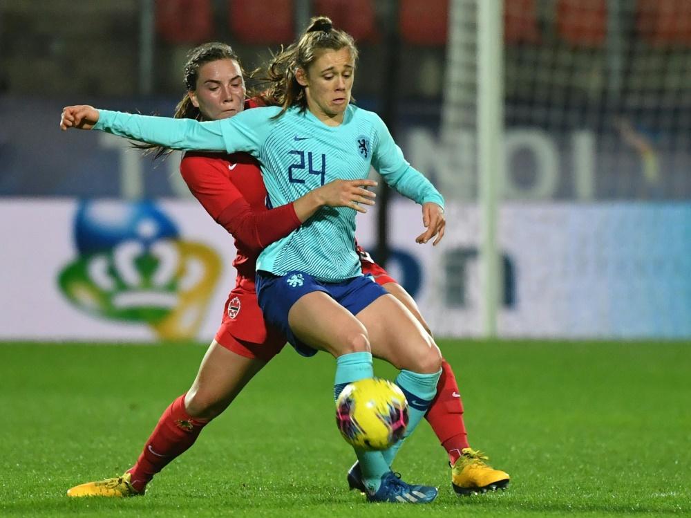 Joelle Smits (Nr. 24) unterschreibt beim VfL bis 2024