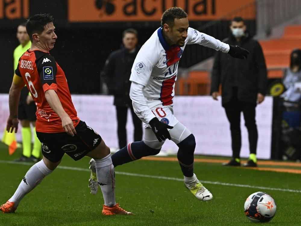 Neymar (r.) unterlag mit PSG in Lorient