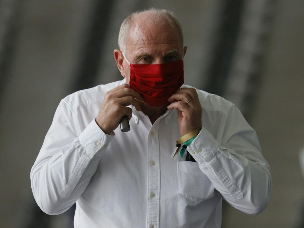 Hoeneß bricht Lanze für Hummels und Müller