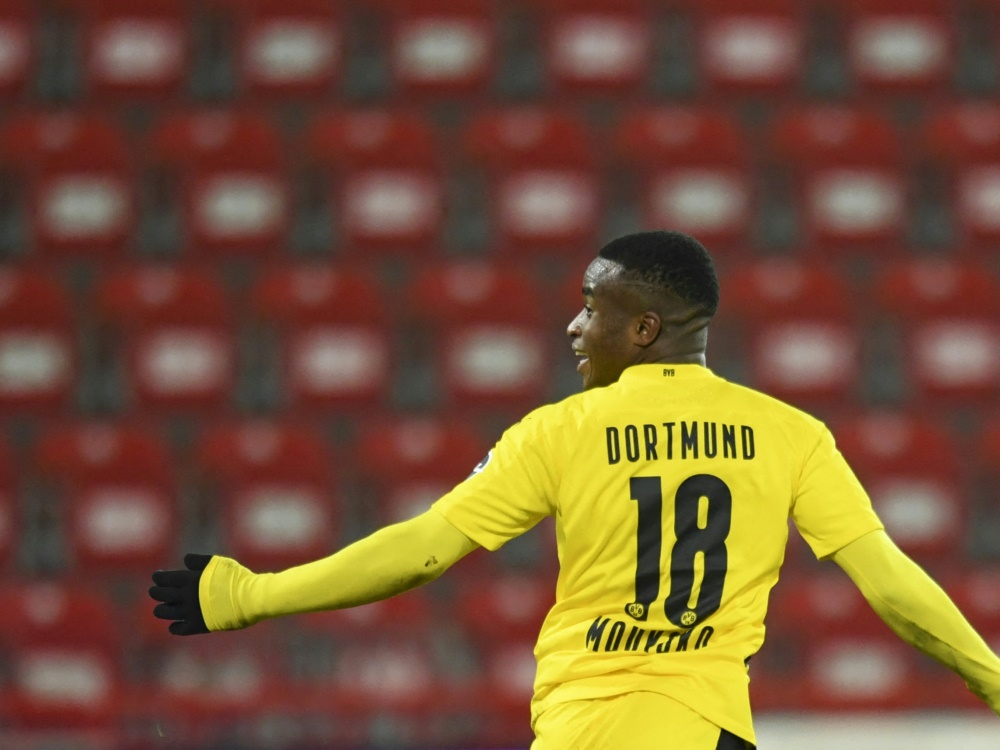Moukoko ist jüngster Torschütze der Bundesliga