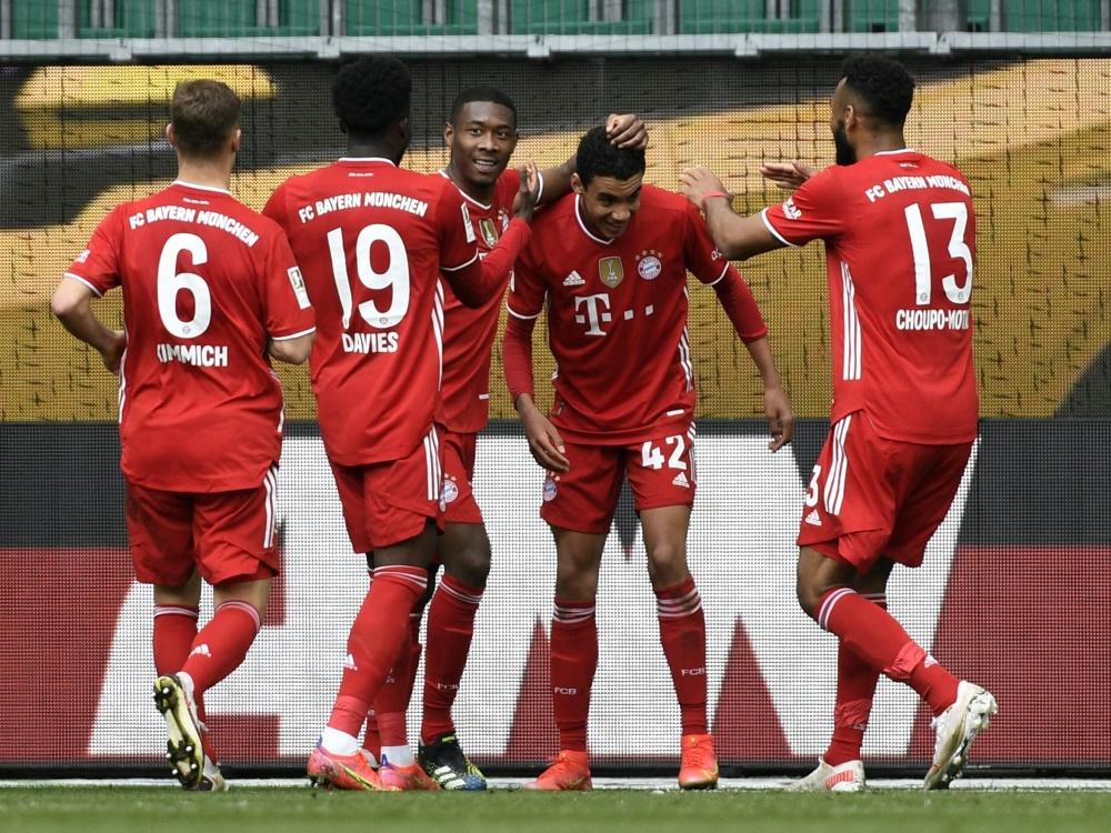 Tabellenführer Bayern München besiegt Wolfsburg 3:2