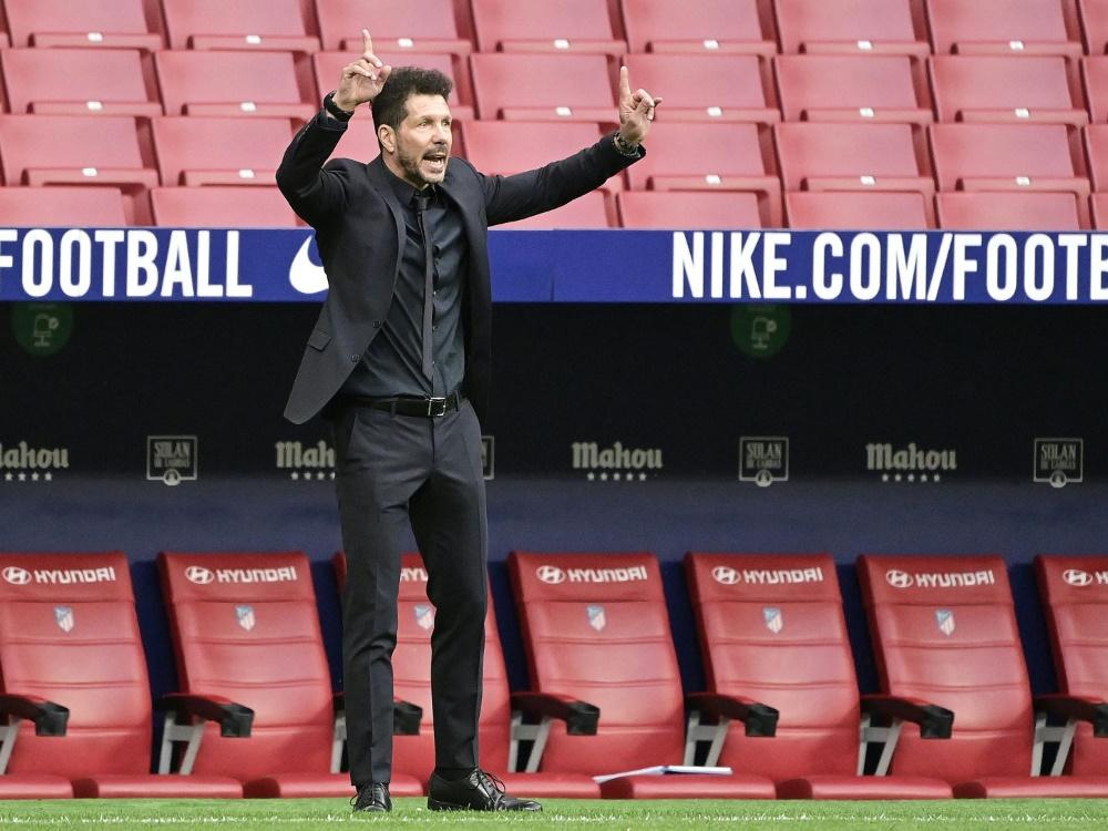 Trainer Diego Simeone steht mit Atletico auf Rang eins