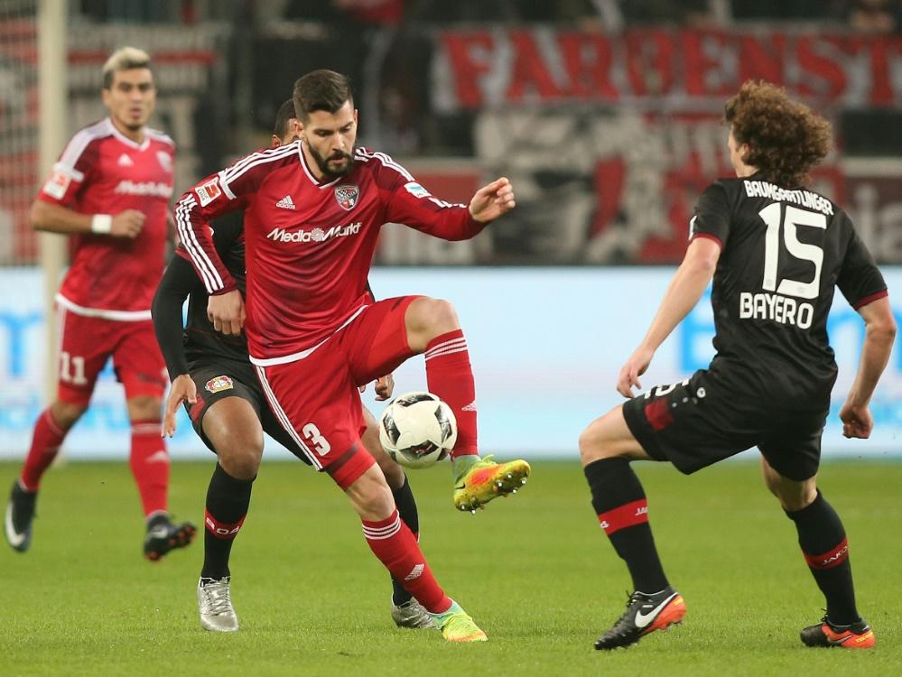 Anthony Jung (l) wechselt aus Dänemark zu Werder Bremen