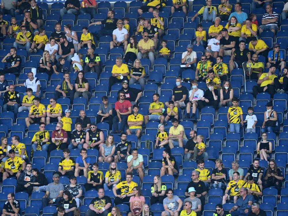 Borussia Dortmund bietet Fans besonderes Impfangebot an (Foto: SID)