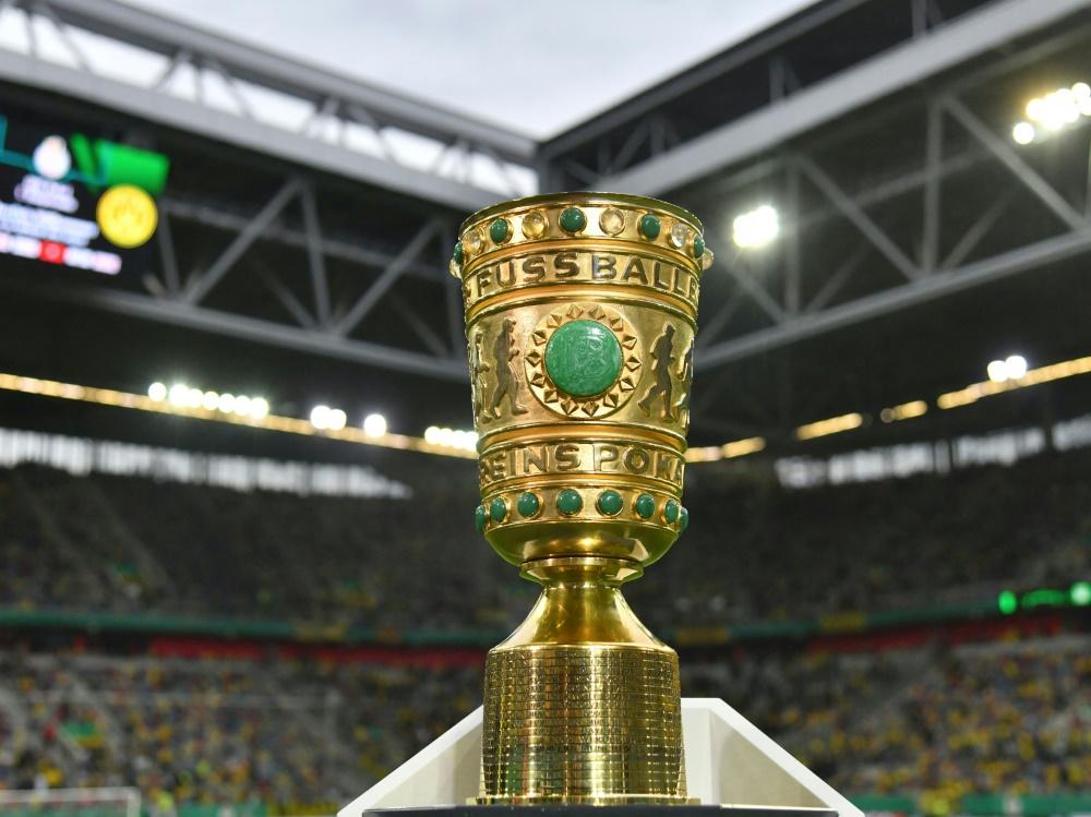 Der DFB-Pokal geht in die zweite Runde (Foto: SID)