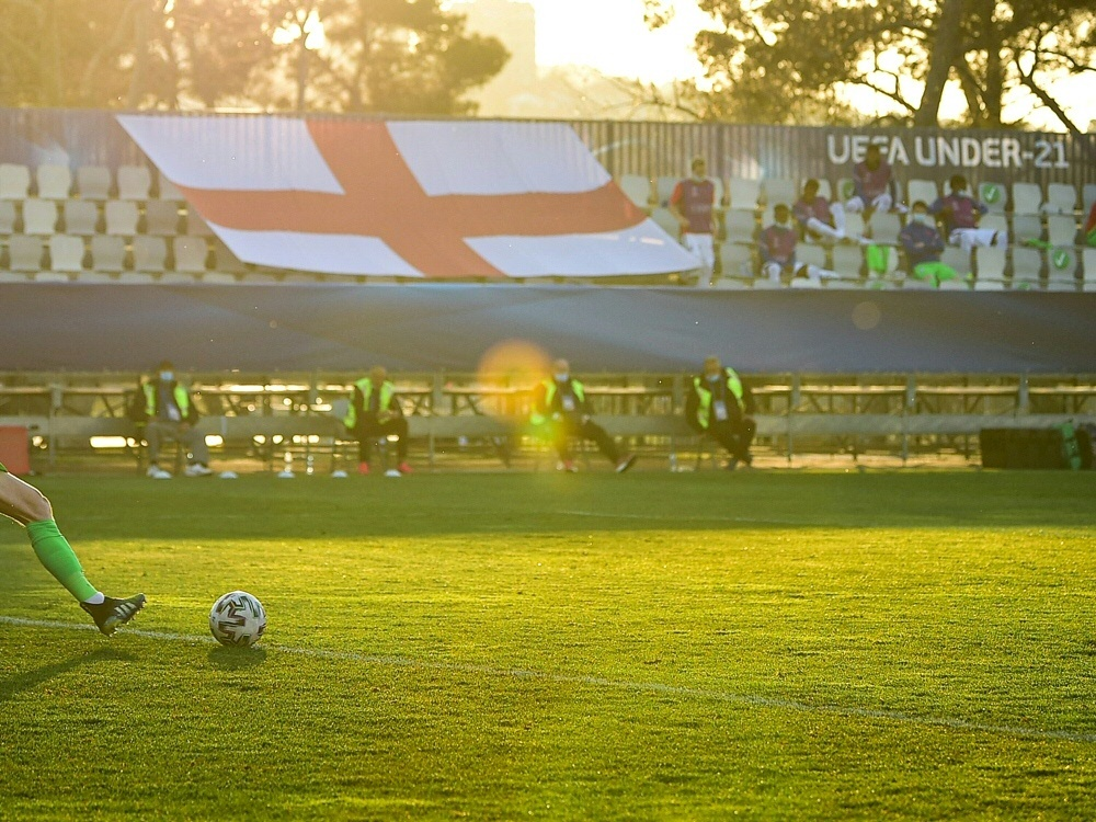 Corona-Ausbruch: Englands U21 fährt nicht nach Rumänien (Foto: SID)