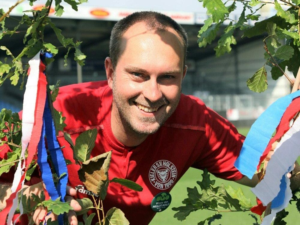 Ole Werner freut sich über gelungenes Wald-Projekt (Foto: SID)