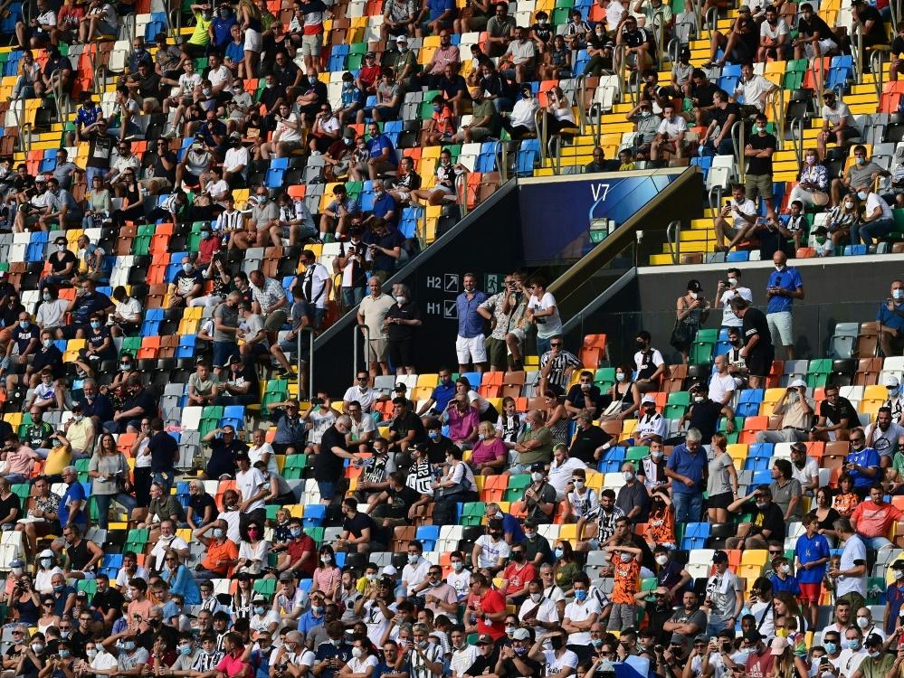 Die Serie A möchte die Stadien wieder voll besetzen (Foto: SID)