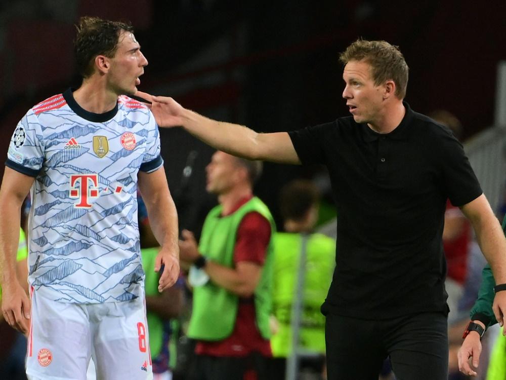 Bayern-Coach Nagelsmann (r.) bleibt zurückhaltend (Foto: SID)