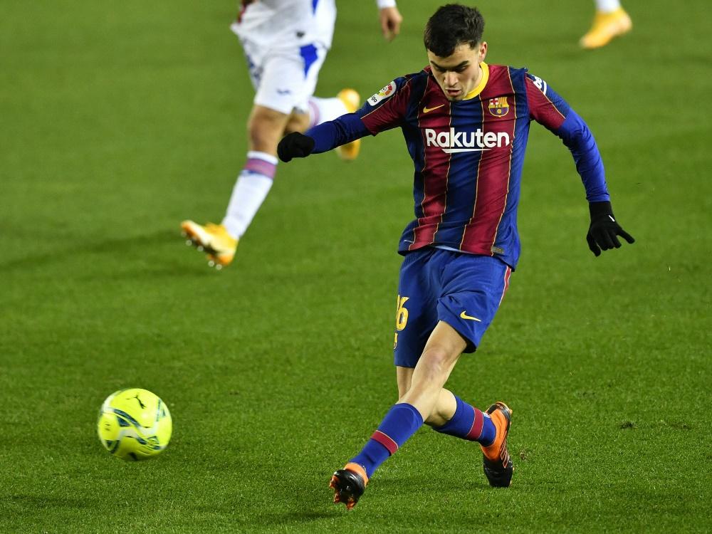 Jungstar Pedri verlängert bei Barca bis 2026 (Foto: SID)